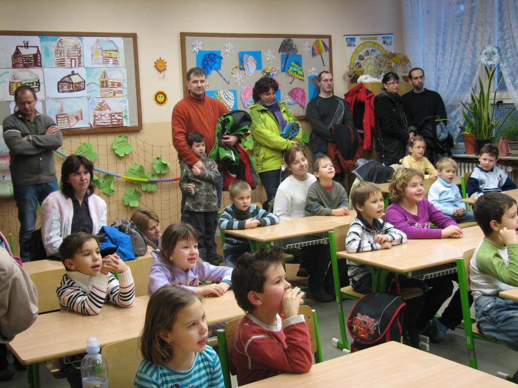 Predskolaci-ve-skole-11-1-2011-001.jpg